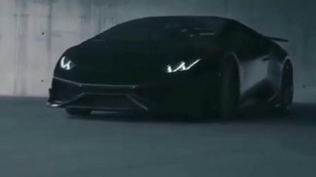 这辆黑色太梦幻了,果然是顶级车厂出品,这才是科技最真实的感觉
