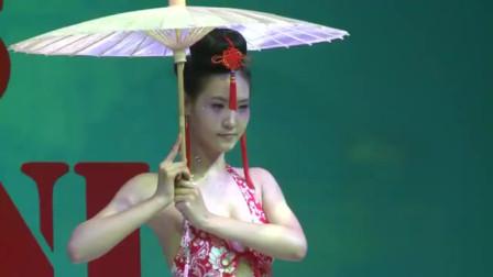 国内时尚性感比基尼秀,浓郁的中国风,养眼啊!