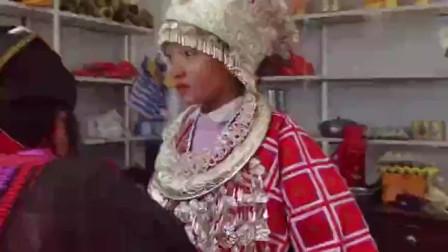国内最性感的民族,裙底不到五寸长,风俗习惯让人看了脸红!
