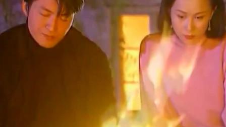侬本多情:香雪儿没想到白朗竟有段痛苦的恋情,对他充满同情