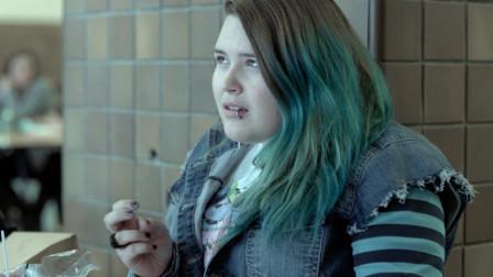 240斤的女朋友努力减肥,男友怕她瘦了后变美,偷偷喂她增肥餐!