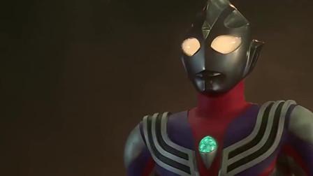迪迦竟然被自己喜欢的女超人鞭打,你看过迪迦的女朋友吗
