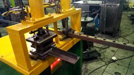 40方管冲20孔铁管冲方孔液压机调试步骤和护栏枪尖冲压成型步骤解析