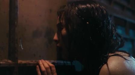 二次曝光:范冰冰扒窗口找闺蜜,没想到看到男友跟闺蜜在一起