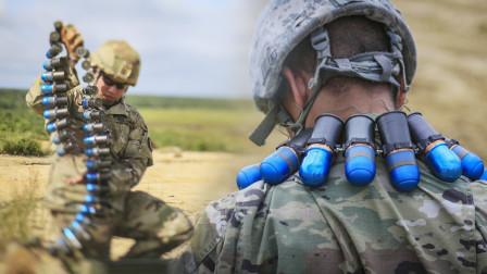 速射榴弹炮就是把一连串的手榴弹扔出2000米 百米内的人都跑不了