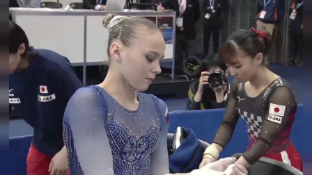 体操全能世界杯:女子高低杠,这么近距离看,真是瘆得慌!