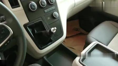 2019款丰田海狮GL到店,打开车门看到内饰,还会考虑奥德赛吗