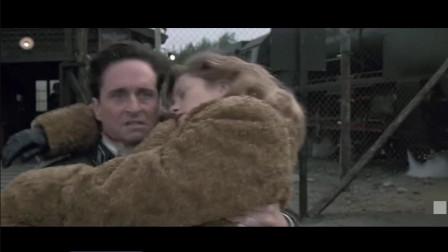 光环不在男主抱着猪女友被后边的纳粹射成筛子必须跨过一条白线枪才能停