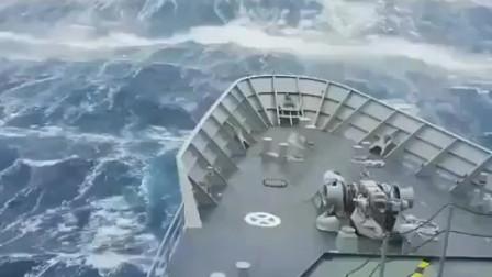 这就是传说中的10米巨浪