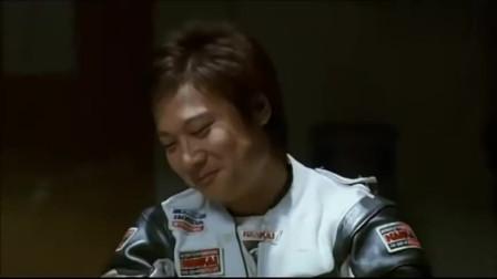 """小伙刚从美国回来,对打麻将不太在行,谁知第一把就开了""""天胡"""""""