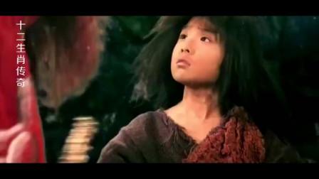小乞丐被龙王带到龙族秘地,装上龙骨后,突然变成了俊俏的小伙