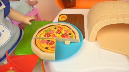 米露用烤箱为孩子制作美味水果比萨