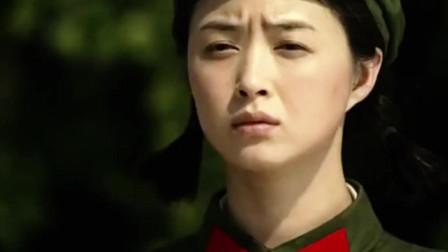 蒋欣早期视频,当女兵被人嘲笑,对话让人哭笑不得