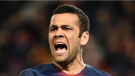 法甲-阿尔维斯世界波卡洛斯两球 大巴黎客场2-3不敌南特