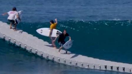 老外造出海上漂浮之路,汽车都能在水上行走