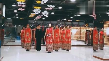 旗袍秀:学习旗袍走姿,做一个优雅的旗袍女子吧!