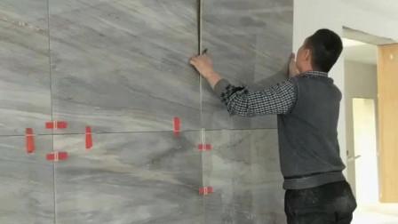 瓷砖干挂贴电视墙,背面挂钩打胶可以这样做!
