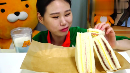 韩国大胃王卡妹,吃美味三明治,看着很好吃呀