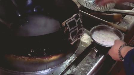 这才是真正大厨, 翻锅技术一看就练过, 锅气十足