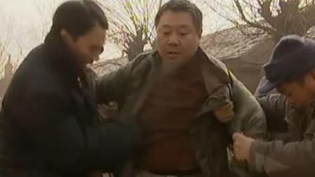 范德彪心情好,从出来就跑,一下子掉下水井里了,太搞笑了