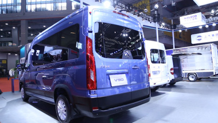 房车底盘,后双胎+6AT,15万起的上汽大通V90轻客上海车展发布