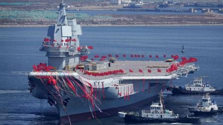 中国航母发展到今天,这位老人功不可没,一个小动作让人敬仰