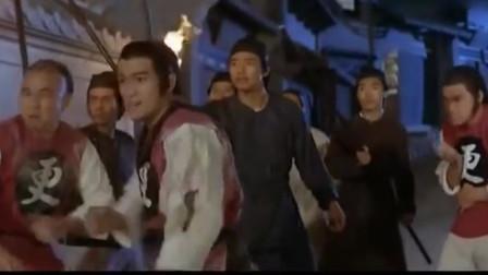 洪拳小子:功夫不错的采花贼,自持武功高想逃,遇到总教头拿下!