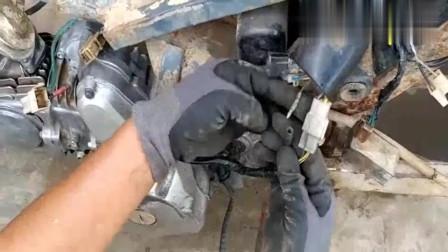 十元收了一辆报废摩托车,看看小伙怎样修整!