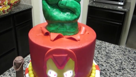 1分钟学会这个钢铁侠翻糖蛋糕,圆了你儿子的英雄梦!