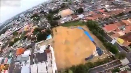 跳伞运动员几千英尺跳下 被强风吹歪高速撞墙落地