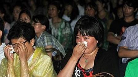 一首歌唱出社会的现状,啥话都敢唱,很多人听完泪流满面,超好听