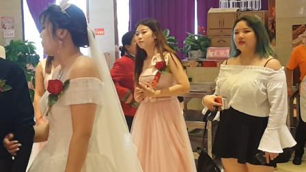 小县城大歌星 大英兰姐朋友婚礼 唱走天涯