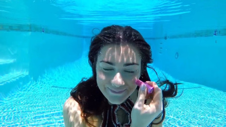 美女挑战水下化妆,出水的瞬间惊艳全场,太漂亮了!