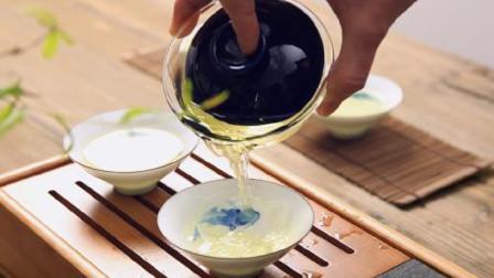 茶艺师分享玻璃茶具如何泡茶,记住这3个技巧,不会烫手