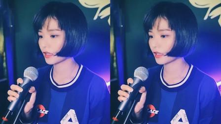 《17岁》被女孩翻唱后再次带火,天籁般的纯净嗓音,网友:跪求完整版