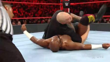 WWE阿波罗替科特安格在摔跤狂热前教训一下独狼,独狼:害怕了?