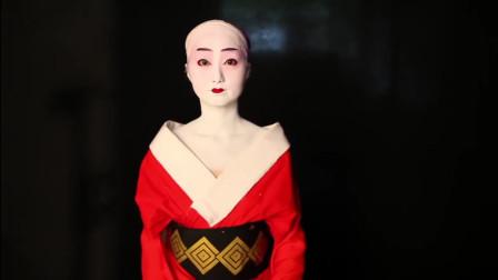 刷油漆式化妆术,论日本艺伎是怎么形成的,完成后简直让人震撼