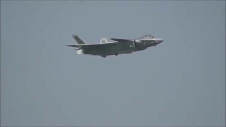 第五代隐身战机歼20表演垂直拉升冲天