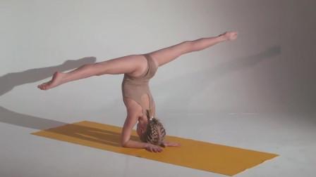 国外女孩的柔术练习,这几乎已经是人体极限了,厉害啊