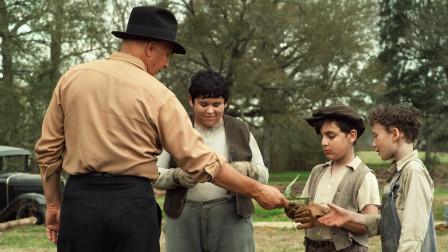 老警察枪法奇烂,被几个孩子看到,为了尊严他掏出封口费