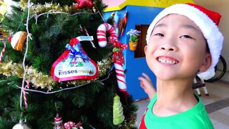 萌宝过节,制作圣诞树和巧克力糖果一起堆雪人