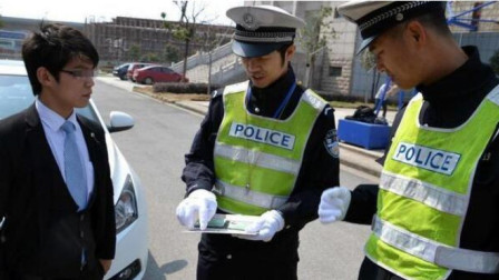 """交警提醒:""""C1驾驶证""""不能开这些车,开了小心扣完一本驾驶证"""