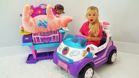 超奇妙!萌宝小萝莉怎么变成麦芬小医生了?如何帮助三只小猪、小羊和小狗呢?儿童亲子玩具游戏