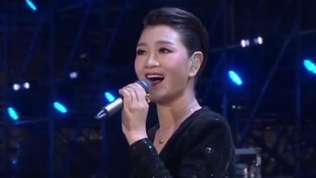 降央卓玛翻唱刀?#20254;?#35199;海情歌》,歌声柔美,不愧是最美女中音!