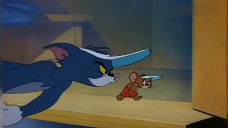 猫和老鼠:杰瑞变身搬运工,给喵星人打工,待遇还不错的样子