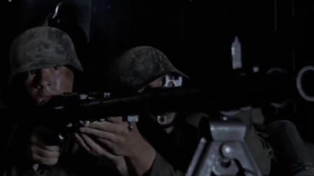 美军进城夜袭扫荡,遭德军猛烈阻击,狙击手暗处震慑,绕后刺!