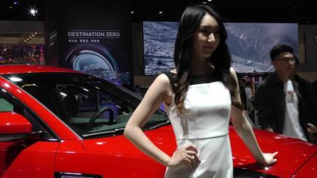 2019上海国际车展标致汽车展台白衣车模