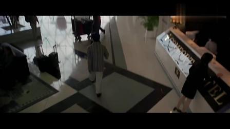 """香港黑帮电影:黑帮老大有黄秋生、谢霆锋等人保护,但""""杀手""""太强了"""