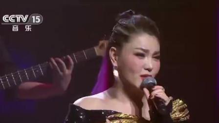 蒙古之花乌兰图雅,一曲《我的心里只有你没有他》,歌声直爽大方