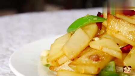 这样炒土豆片给肉不换,做法简单,开胃又下饭,一上桌就抢光